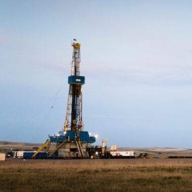 Cropped Oil and Gas